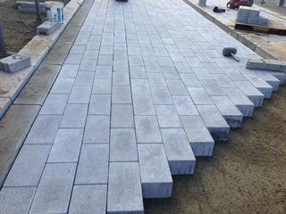 Montarea pavajului, укладка тротуарной плитки
