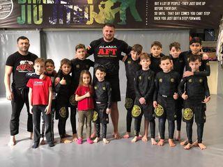 Amatika CrossFit & Fight Club. Crossfit, Box, Box Tailandez, BJJ, Kickboxing