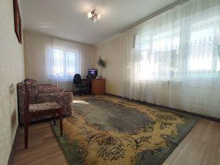 2 odai , str.Alba Iulia (piața Delfin) ! 37 500 €
