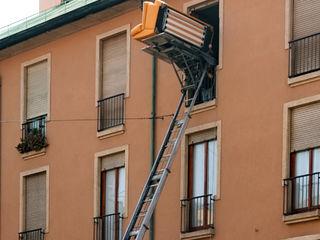 Lift exterior,nacela,utilaj ridicat marfa,constructii,mobila,acoperis