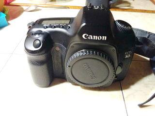 Canon EOS 5D полнокадровый первопятак