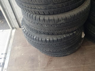 Michelin Agilis 215/70/R15C 90%