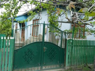 Продается дом - 96,5 м2., 6 соток земли, мастерская, подвал, торг