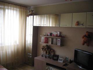 Внимание 1-комнатная  квартира в Яловенах