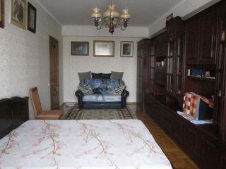 Schimbăm pe un apartament cu 2 camere sect.Rîșcanovca + bani din partea dvs (4/7, 69 m2, Buiucani)