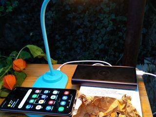 Быстрая зарядка смартфонов без провода для максимального комфорта на рабочем месте.Доставим по РМ