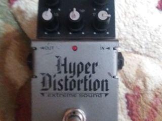 Продам Hayper Distortion 500 лей Ibanez Dm7 цена 600 лей Behringer Ultra Metal 600 лей Behringer Sup
