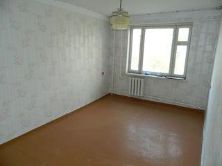 Anenii Noi, apartament 2 camere în Centru,  etajul 2, la mijloc