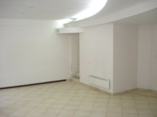 """Продается ком.помещения 70м2 под офис, бизнес возле """"Патрии"""" по ул.Дософтей!Первая линия!"""