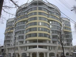 Chirie de lux, apartament cu 3 odai in sect.Centru, str.Sfatul Țării  la pretul de 700€