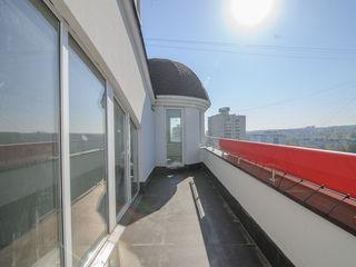 """Пентхаус в 2 уровня,в жилом комплексе """"Botanic Star""""."""