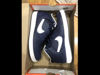 Продаю кроссы Nike