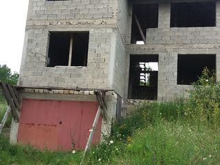 Casa in constructie garaj + 2 nivele