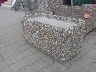 Вазоны из натурального камня, бордюры