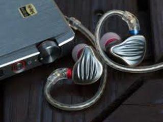 Fiio FH5  Quad Driver Hybrid In-Ear Monitors HI-RES