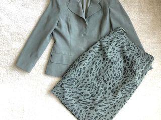Costum office. Офисный костюм: жакет и юбка карандаш с леопардовым принтом.