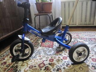 трициклет - 3-х-колесный детский велосипед-  500 лей состояние хорошее с ручкой без наворотов  прост
