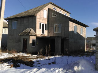 Продам 2 этажный дом.