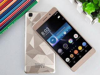 """5.5"""" GorillaGlass QuadCore Android6 Ram2gb 16gb 13mp -30€"""