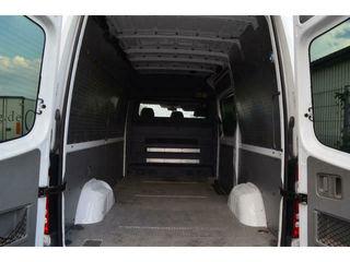 При перевозке с грузчиками в машине есть свободное пассажирское место.