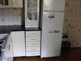 меняю дом в центре Бессарабки на 2-х ком.кв в кишиневе с моей доплатой или продам