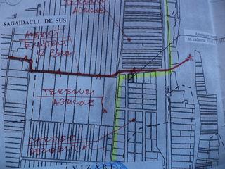 Меняю 2 учястка рядам под строительства,вода, газ,свет асвальт,лес рядам = на гараж или 2 в кишиневе