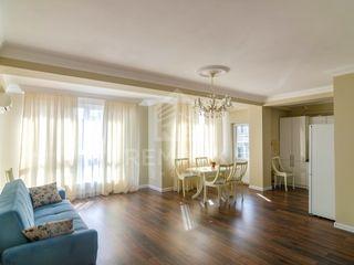 Chirie, Apartament cu 3 odăi, Rîșcani bd. Moscovei, 450 €
