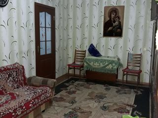 Chirie camera in apartament cu 2 odai, in zona pietei Dokuceaev vizavi de supermarket Nr.1