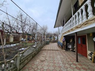 Se vinde casa in Ciorescu cu 4 odai,100mp, 7ari