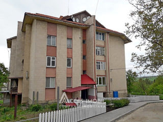 Ialoveni, str. Moldova, 3 camere!