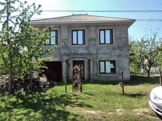 Casa cu 2 etaje oras Drochia