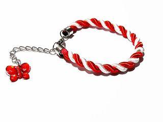 Красно-белые браслетики в стиле праздника Марцишор!