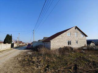 Добротный 2-ух этажный дом в 9 км от кишинева