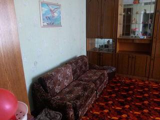 Меняю однокомнатную квартиру в Кишиневе  на офисное помещение в Бельцах