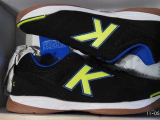 Продам качественные кроссовки испанской фирмы Kelme