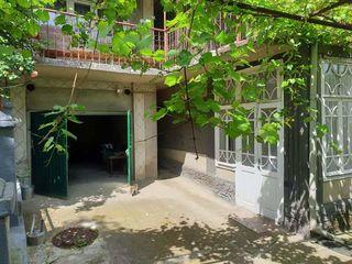 Se vinde casa lîngă padure situată în or. soroca
