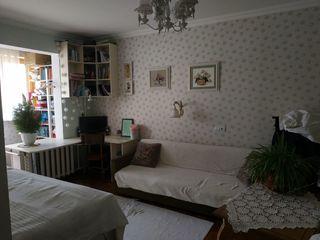 Срочно!!продаю 2-х комнатную квартиру