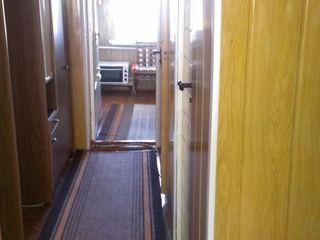 Продам 3х комнатную квартиру в Бричанах на 5 этаже по улице Еминеску 87. Торг уместен