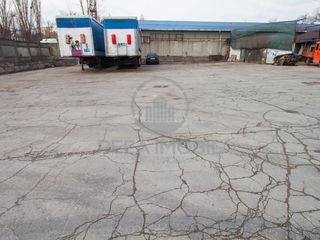 Chirie teritoriu asfaltat pe str. Uzinelor 600 mp