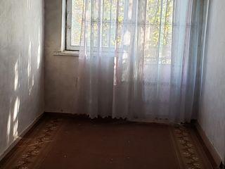 vanzare 65 m2