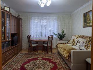Apartament 3 camere - centru Orhei