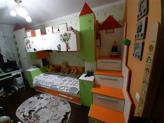 Vînd mobila pentru copiii cu 2 etaje Buiucani