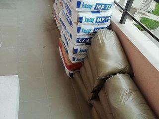 Ridicam materiale la etaje