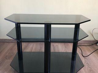 Стеклянный столик под телевизор.