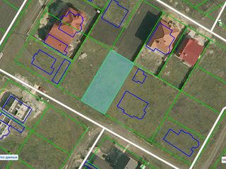 6 соток земли под строительсво в г. Бельцы на БАМ-е, район Поле Чудес