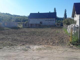 Lot pentru construcție ,6 ari,Vatra,5km de la chisinau,9500 euro(negociabil)