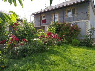 Spre vânzare casă cu reparație! Pe un teren de 6 ari! Suprafața totală de 220 m2! Colonița