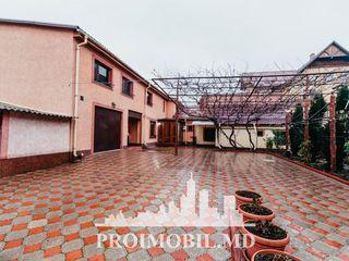 Chirie casă, Centru, 2 nivele, 4 camere+slaon, 600 euro!