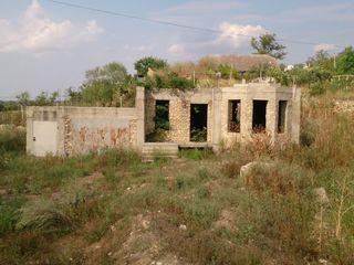 Продается дом на берегу Днестра. 30000 евро. Погребя. 11 соток
