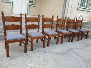 6 scaune în stare f. bună